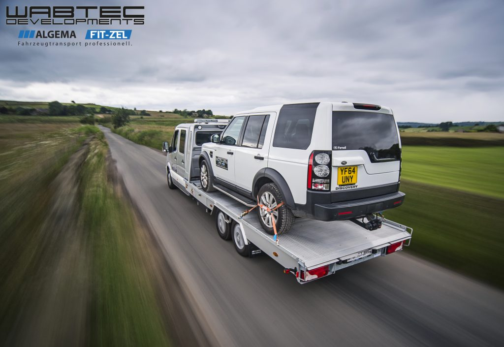Algema Blitzlader Carrying a Land Rover Discovery